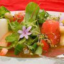 Ensalada de tomate con sandía y fresas
