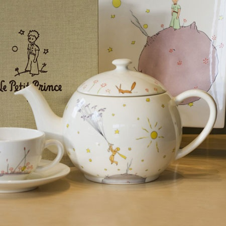 Le Petit Prince Teapot via @Sarah Burger. Love all Little Prince objects. This is beautiful.