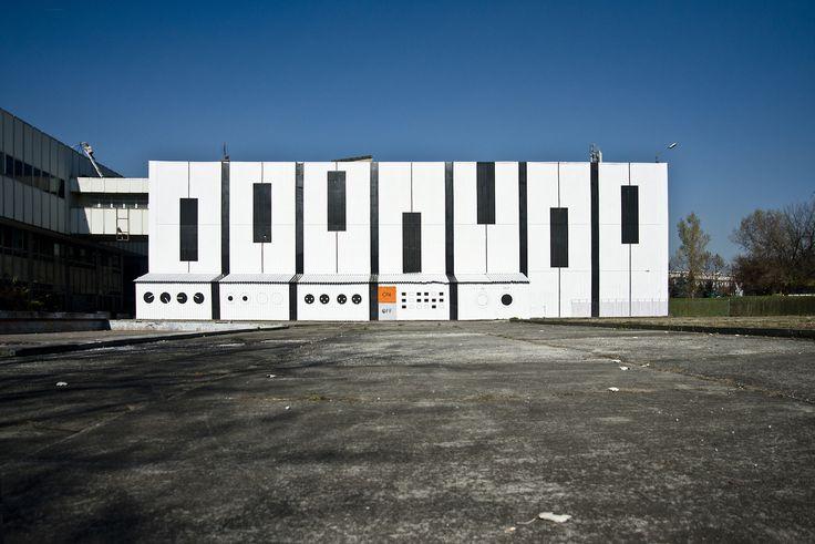 fot. Edyta Dufaj AudioMural NCK 800 m2 ||| 12 days ||| 17 people ||| Nowa Huta Cultural Center in Cracow, Poland ||| October 2013
