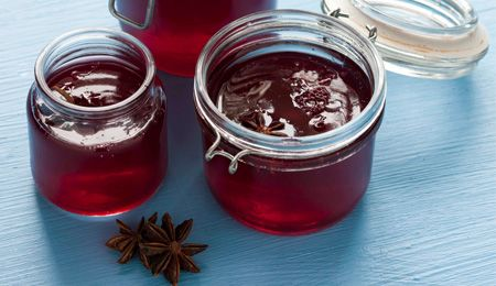 Mulled cranberry jelly #recipe. This delicious jelly is surprisingly simple to make!