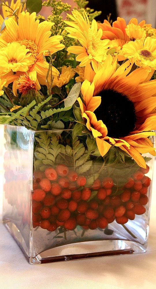 fall centerpiece.... www.tablescapesbydesign.com https://www.facebook.com/pages/Tablescapes-By-Design/129811416695