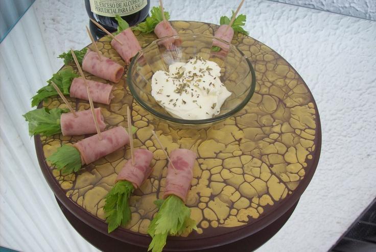 Bandeja giratoria para pasabocas recetas para cocinar for Cocinar zarzuela