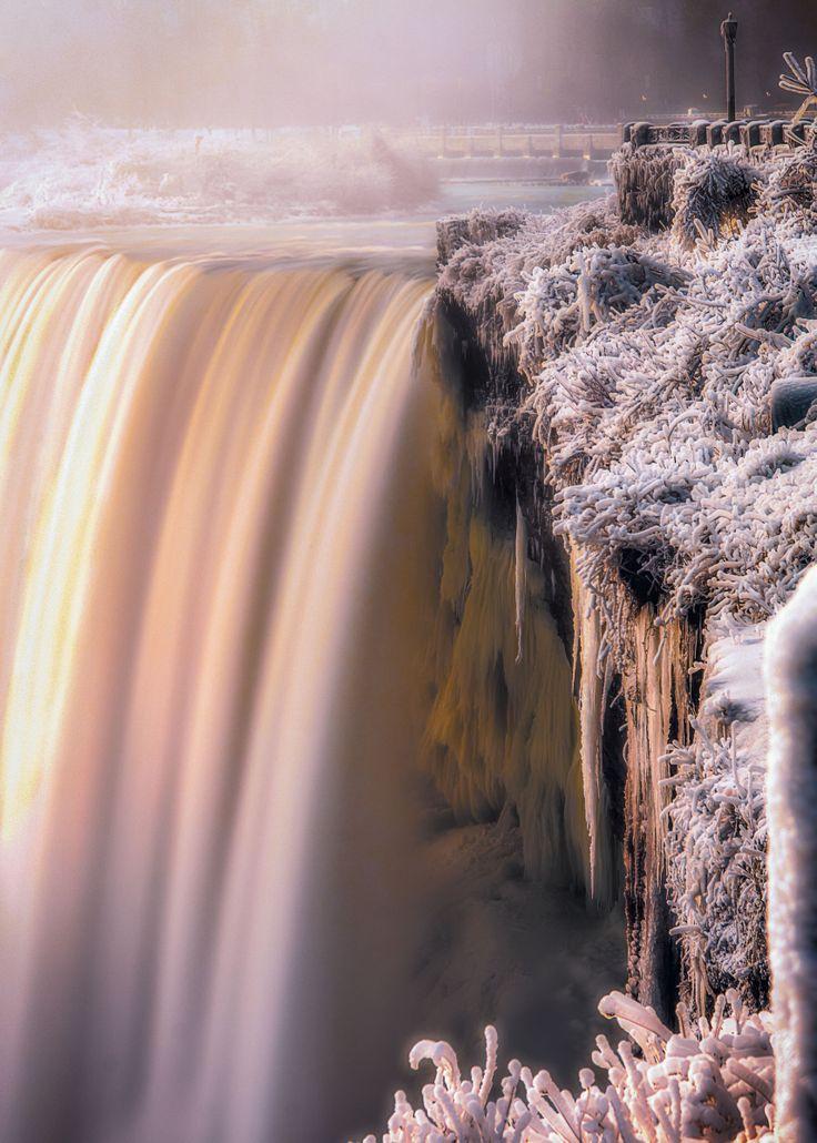 Horseshoe Falls Niagara Falls, Ontario
