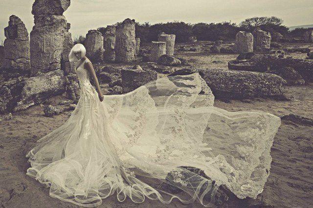 julia-kontogruni-svadobne-saty-2015 #kamzakrasou #krasa #love #holiday #wedding #dress #weddingdress #weddingday #weddingdecoration #weddingcelebration