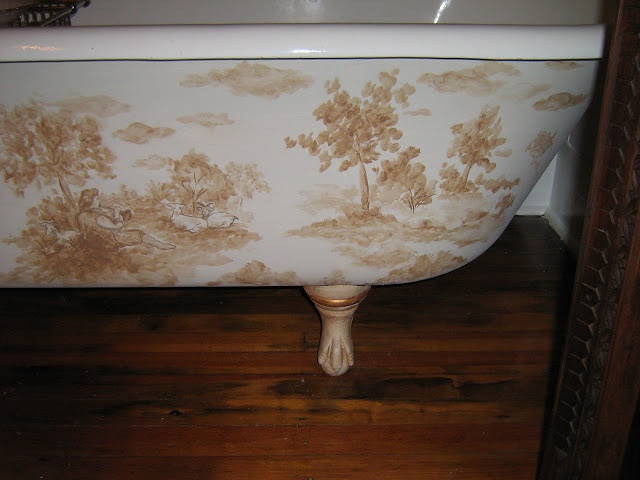 Hand painted toile motif on a clawfoot tub since i can 39 t paint artsy like this to save my soul - Painting clawfoot tub exterior paint ...