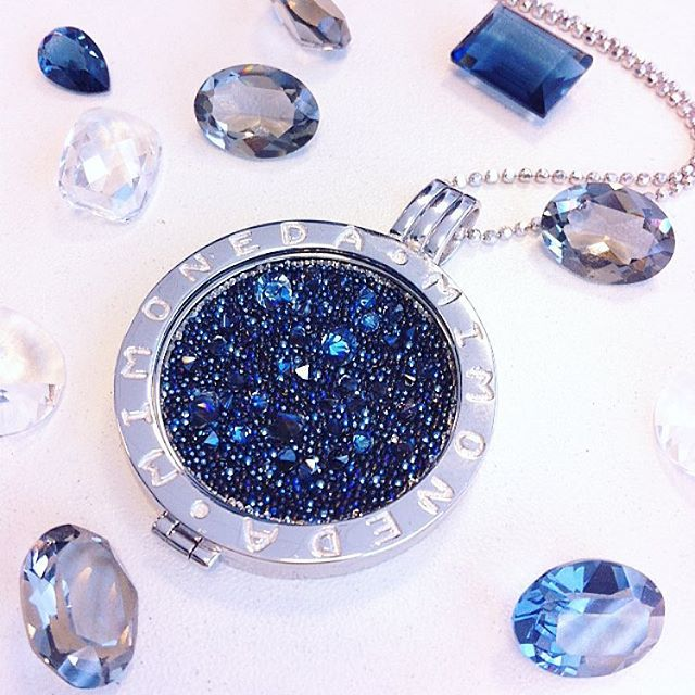 Nothing can dim the light that shines from within  #MiMoneda #shine #glitter #sparkles #crystal #jewelry #jewellery #jotd #ootd #blue #sky #cielo #sparkle #light #star