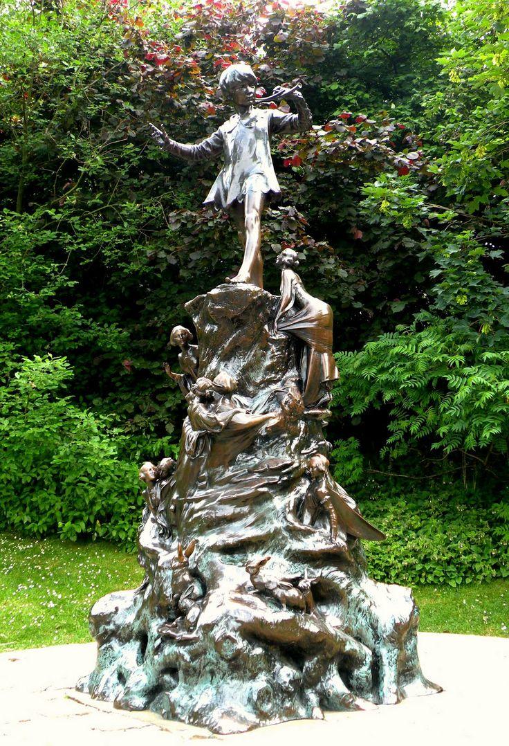 Original Peter Pan Statue in Kensington Gardens, London ...