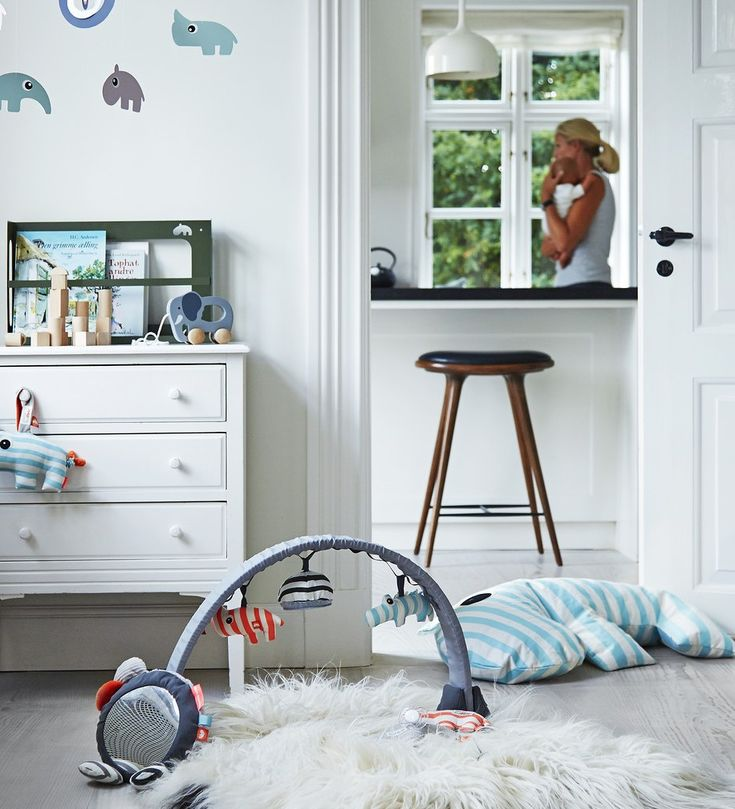 Baby-Spielzeug von Done by Deer mit Activity Gym, Mobile und Stillkissen für das Kinderzimmer --- nursing pillow, toys and stuffed animals - scandinavic design / children's room