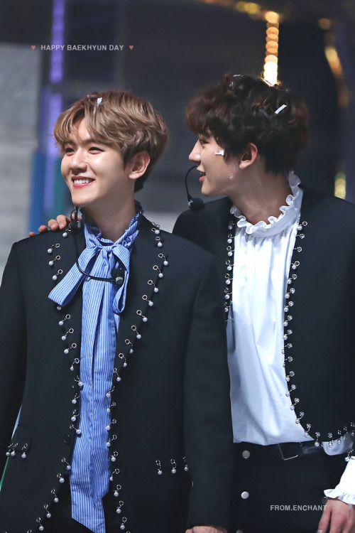 Baekhyun, Chanyeol  Credit: Enchant.