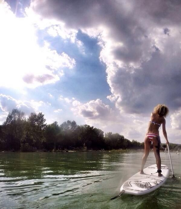 #AlTrasimeno wake up stand up, stand up paddling for your prova costume.  @francescapistolesi