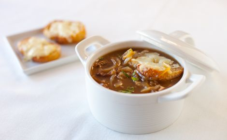 Lunch/Dinner: Epicure's Skinny French Onion Soup (180 calories/serving) serve with cheese toasties