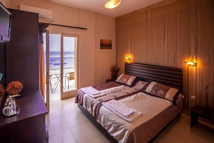 Twin room with seaview - Plaza Hotel Aegina island Greece