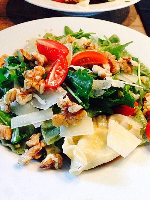 Ravioli mit würziger Frischkäsefüllung, ein tolles Rezept aus der Kategorie Pasta. Bewertungen: 52. Durchschnitt: Ø 4,5.