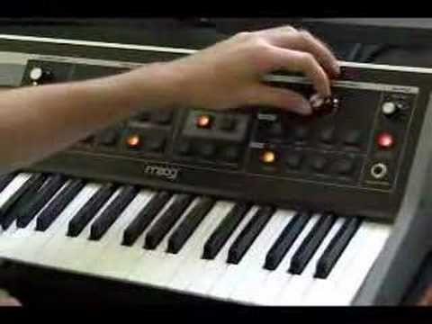 VIDEO: Moog Little Phatty Stage II and Jordan Rudess - Moog Bass!