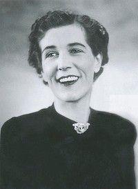 georgette heyer | Georgette Heyer's favourite photograph of herself.