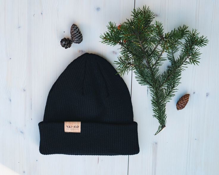 FREE INT. SHIPPING TILL CHRISTMAS! Black Kasku Beanie made of Organic Merino Wool in Finland. Shop ecological here!