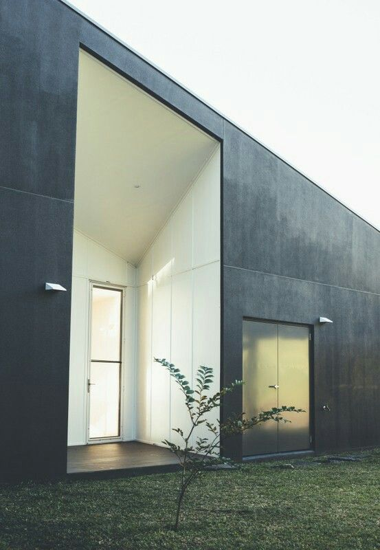 17 best ideas about eco friendly homes on pinterest for Eco friendly doors