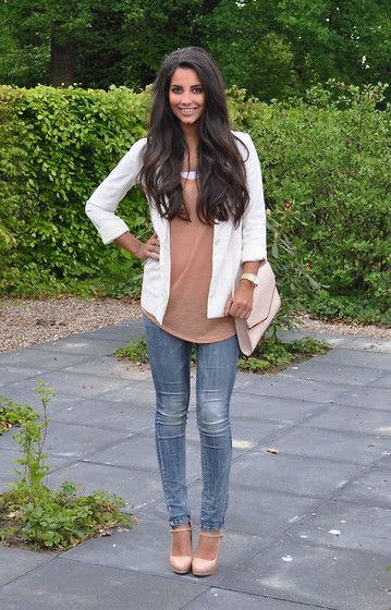 Light colorsCasual Lunches Outfit, Colors Combos, Fashion, Fall Style, White Blazers, Stephanie Abu Sbeih, Abusbeih, Hair Clothing, Lights Colors