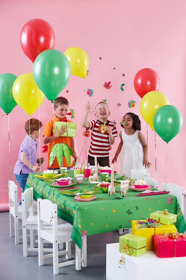 Kids party - balloons, napkins and party tableware