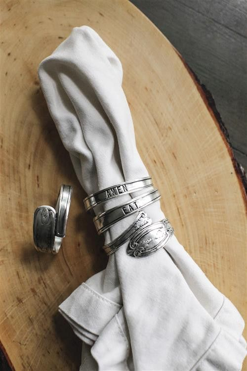 Eat & Amen, Farmhouse Napkin Ring Set From The Home Decor Discovery Community At www.DecoandBloom.com
