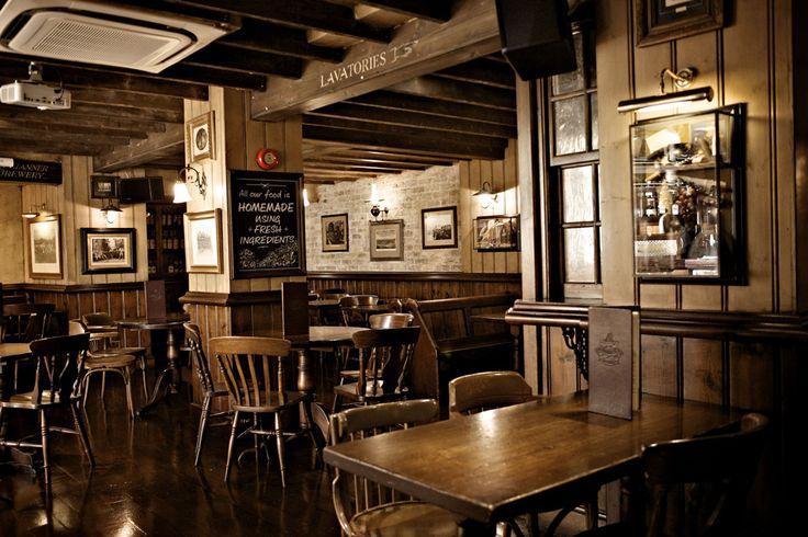 Les clients du pub de Thirsk en Angleterre qui se sont assis sur cette chaise sont tous décédés d'une mort brutale. Alors coïncidence... ou malédiction ?