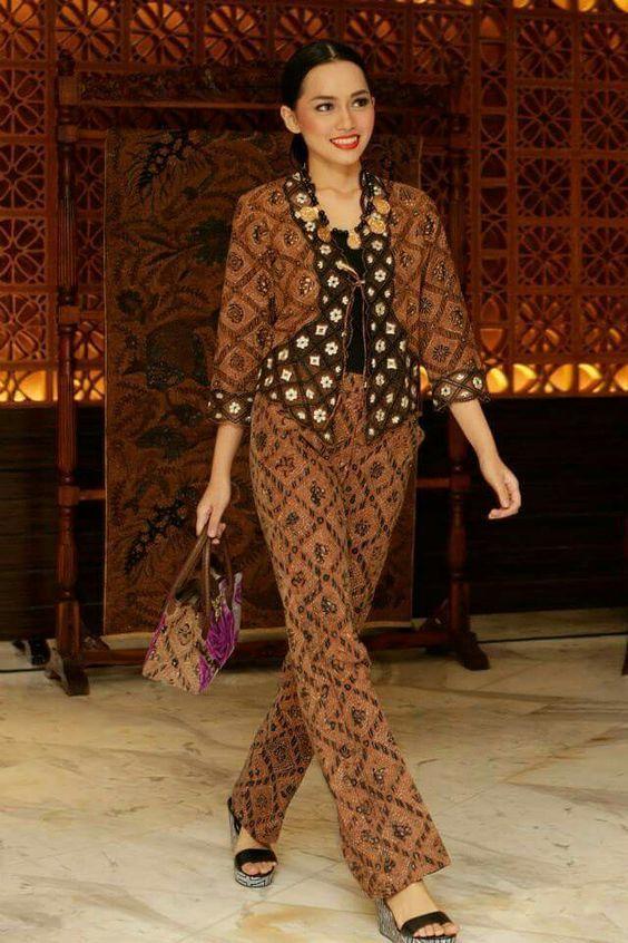 Contoh Model Baju Batik Wanita Terbaru 2018 Kebaya In 2019