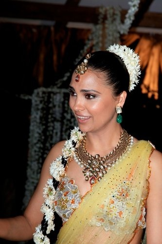 Lara Dutta Sangeet look - the jewellery