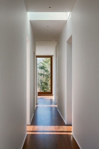A skylight means plenty of light for this hallway