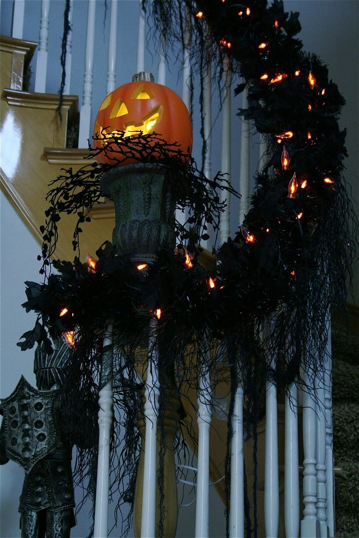 halloween staircase garland and pumpkin pedestal - Classy Halloween Decorations