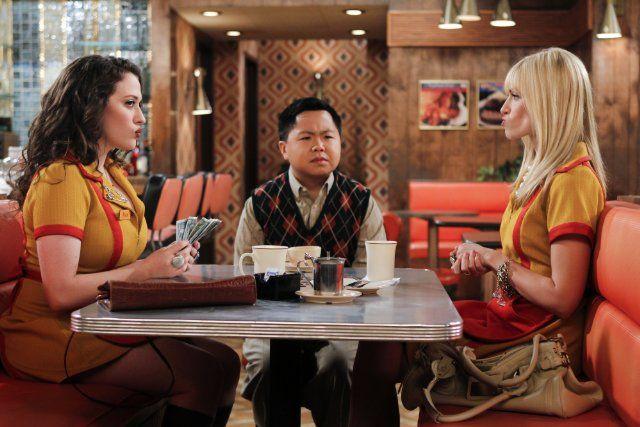 Max (Kat Dennings), Han Lee (Matthew Moy), Caroline (Beth Behrs) ~ 2 Broke Girls Episode Stills ~ Season 1, Episode 5: And the '90s Horse Party #amusementphile