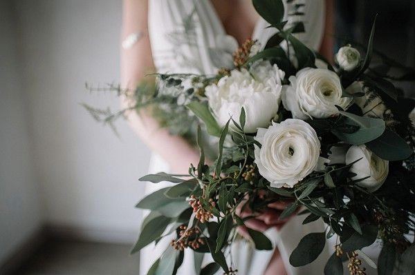 ranuculus bouquet | Image by Madame A Photographie