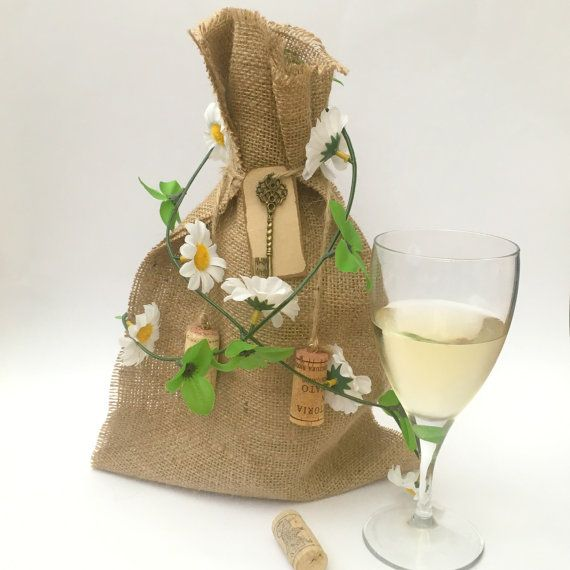 Best 25 Decorated Gift Bags Ideas On Pinterest: 25+ Best Ideas About Hessian Bags On Pinterest