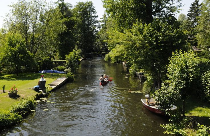 ღღ It's one of Berlin's most beautiful hidden oases - a tiny network of canal and bridges that has earned itself the nickname of 'New Venice'....