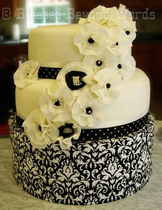 17 best Sweet 16 cakes images on Pinterest | Sweet 16 cakes, 16th ...