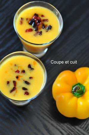 Gaspacho de poivrons jaunes, Tabasco et chorizo grillé