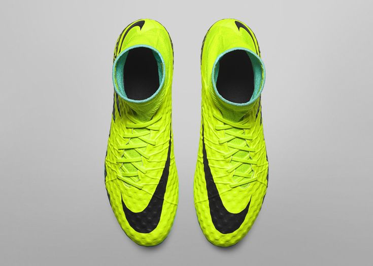 Nike News - Spark Brilliance Football Pack