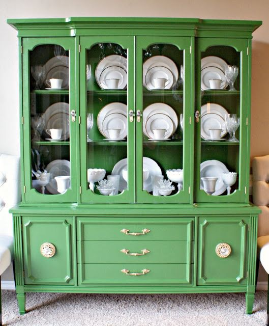 This is a reclaimed, restyled china cabinet by Finding Fabulous: Trash to Treasure Tuesday, and i love the way she arranged the pieces inside.