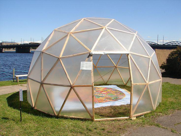 les 549 meilleures images du tableau geodesic dome sur pinterest d me g od sique maison. Black Bedroom Furniture Sets. Home Design Ideas