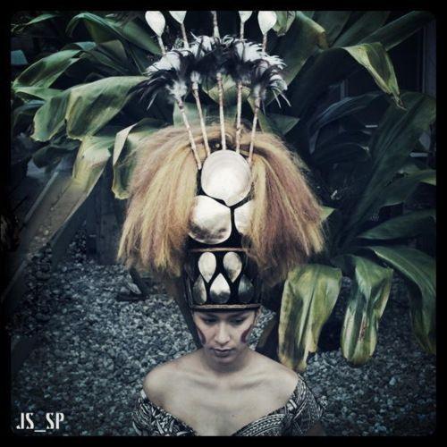 Samoan taupou tuiga...Photograph by Jordan Suyeto Teine Taimane Maulupe-Letuli Great job son & niece!!