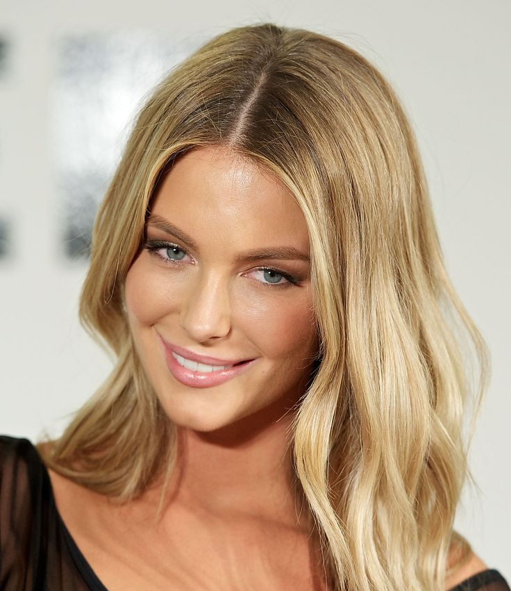 Jennifer Hawkins - the hair colour