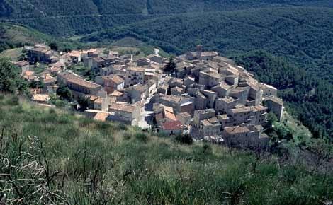 The little castle of Castelletta on the Revellone mountain - Fabriano - Marche - Italy