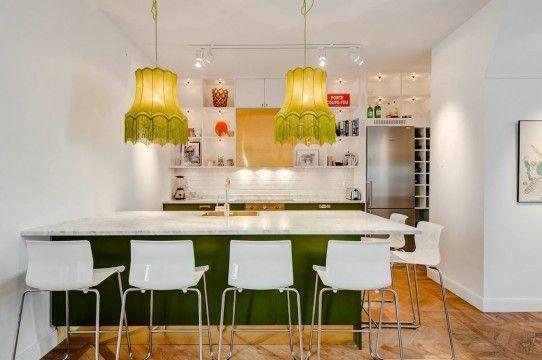 Grönt kök m vita skåp
