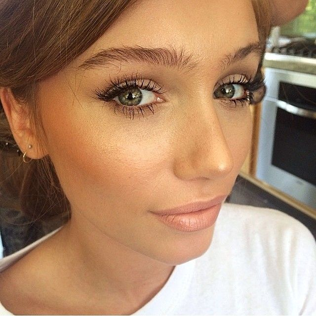 Love her brows..but i would fill them in with a eyebrow pencil lightly to fill in the gaps