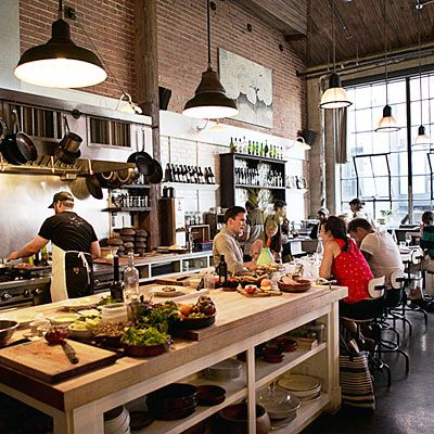 The 25 best open kitchen restaurant ideas on pinterest for Kitchen 8 restaurant