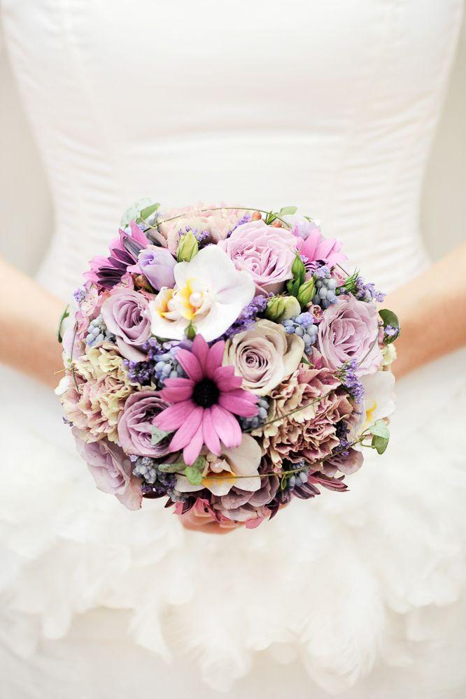 Brautstrauß, Biedermeier, in lila und rosa, Hochzeit, Blumen, romantisch