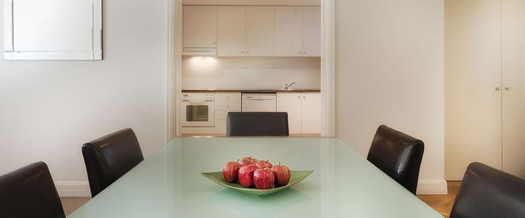 Caroline Serviced Apartments South Yarra - Three Bedroom Premium apartment bed and bathroom