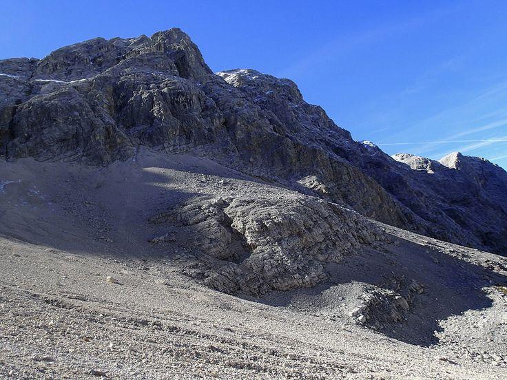 Gerölliger Abstieg von der Birkkarspitze (2749m), Tour Eng - Falkenhütte - Karwendelhaus - Scharnitz, Sept. 2014