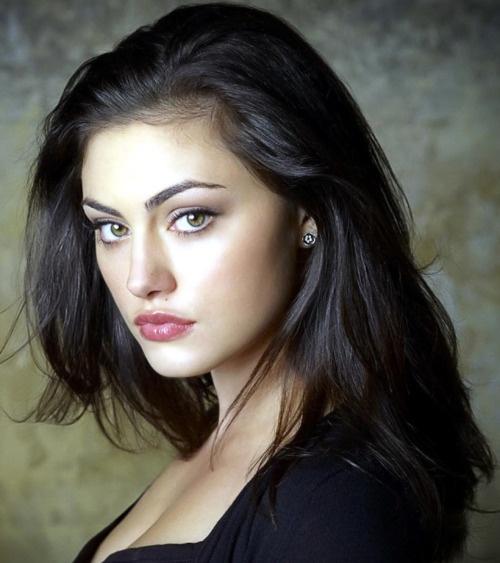 Imagini pentru brunette with hazel eyes