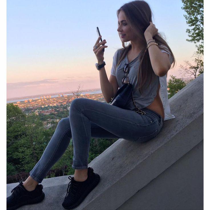 Xenia Tchoumitcheva - Jeans