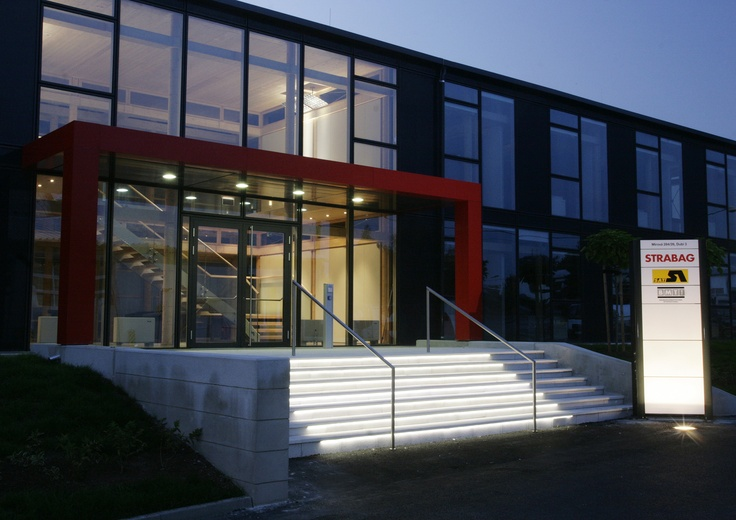 STRABAG office building in Dubi (Czech Republic), entrance